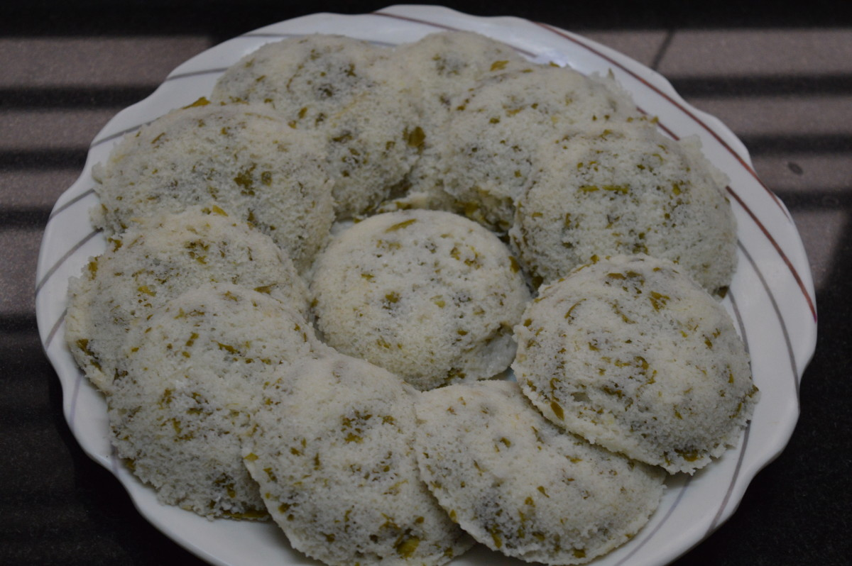 Step six: Remove the idli from the moulds.