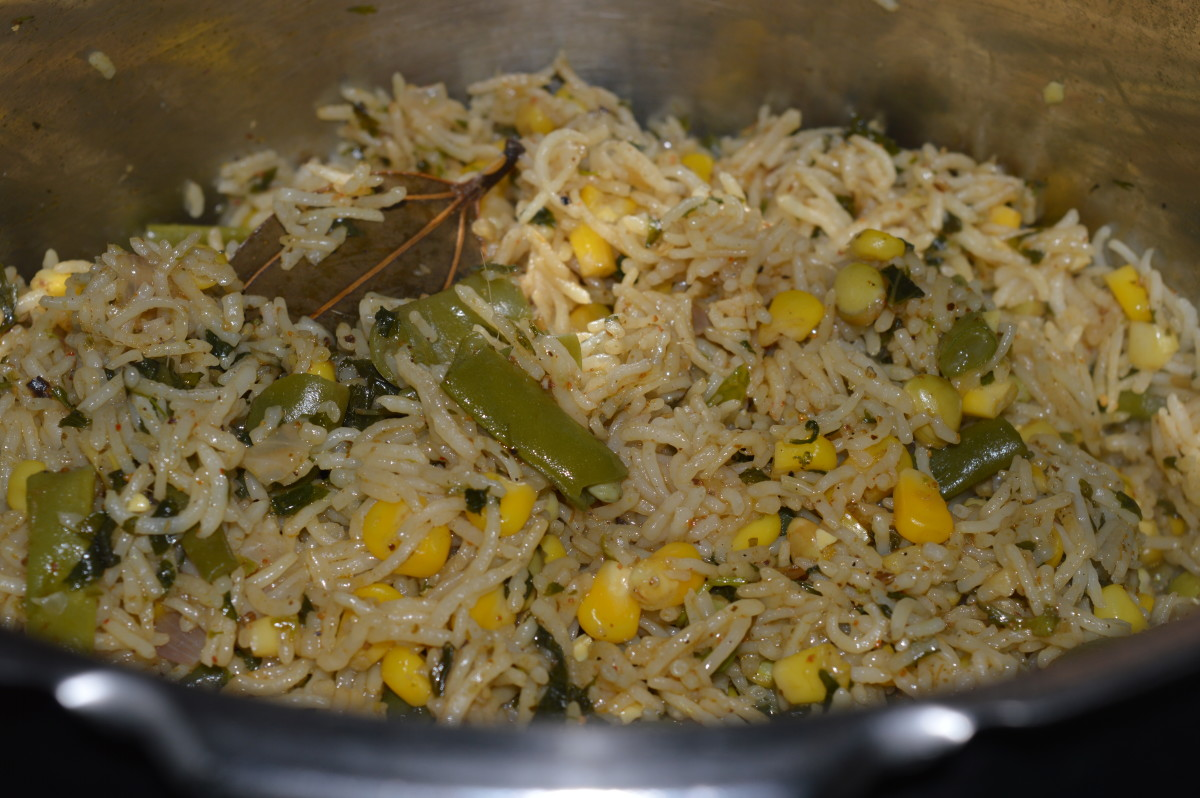 Step nine: Corn pulao inside the cooker