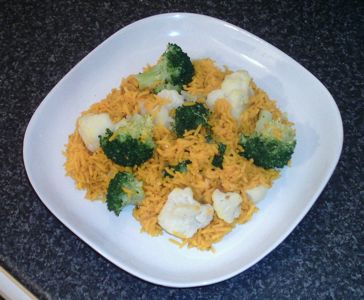 Turmeric rice with broccoli and cauliflower
