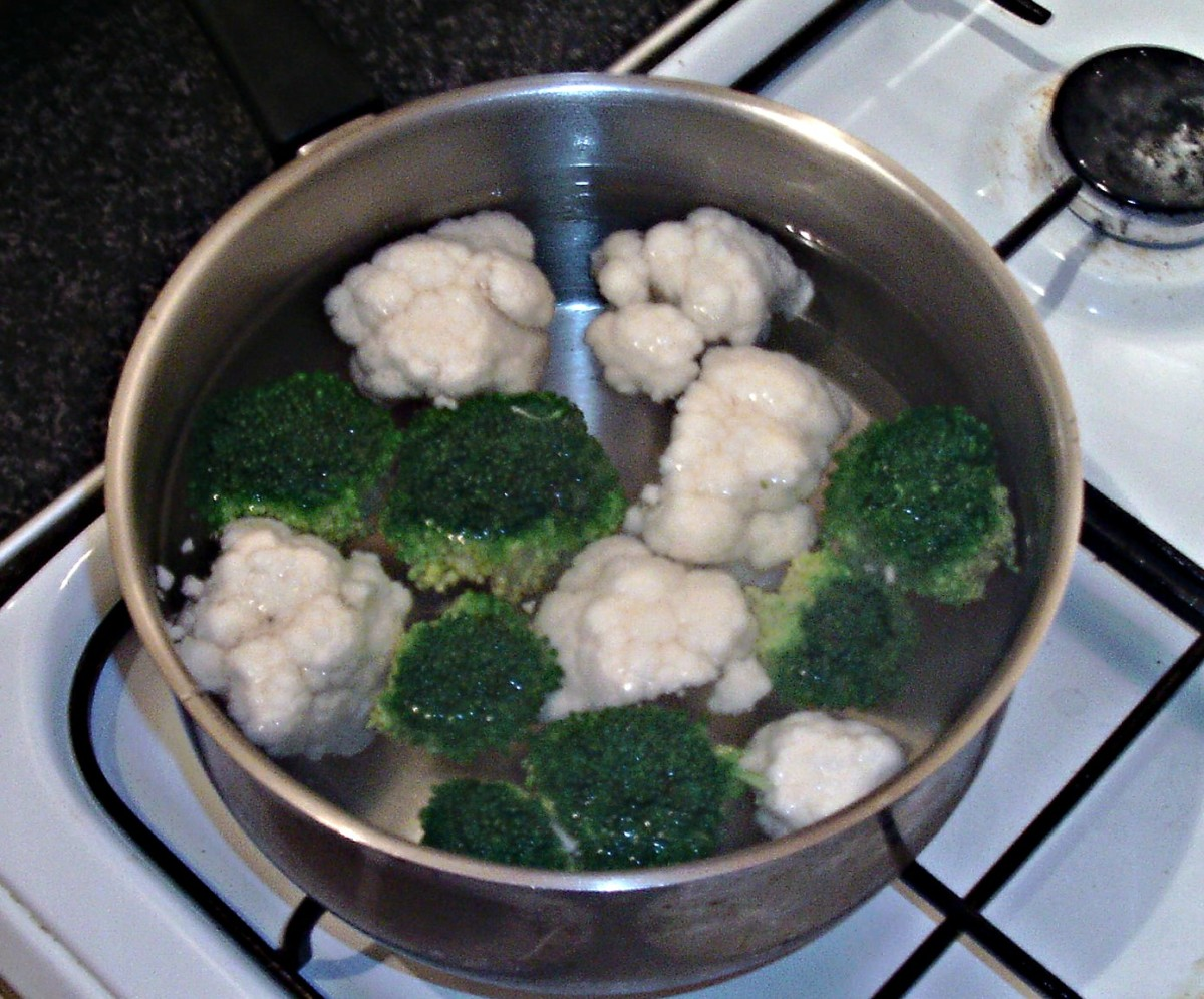Simmering broccoli and cauliflower