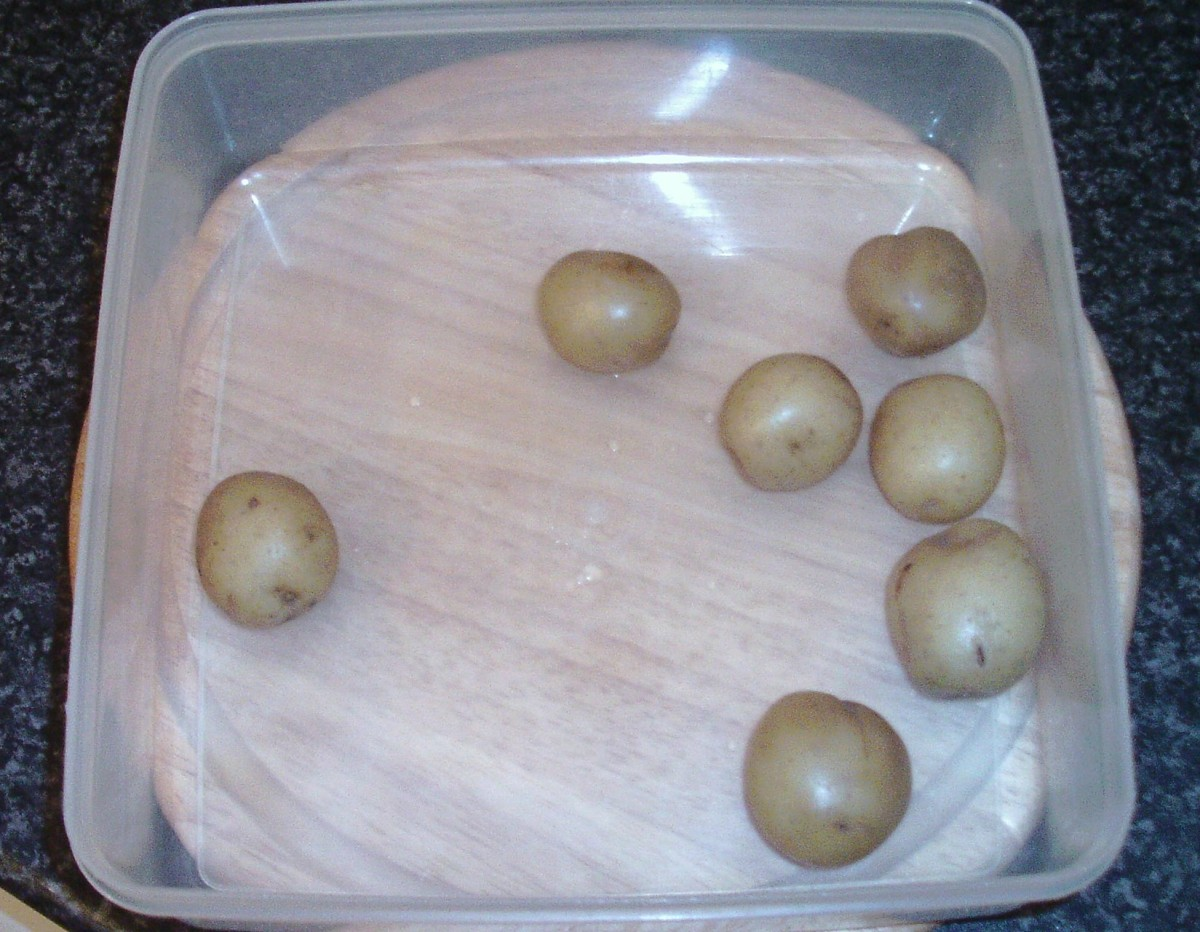 Boiled potatoes ready for the fridge