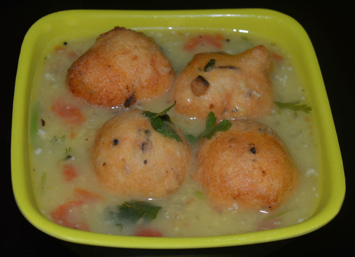 how-to-make-bonda-soup-or-lentil-balls-in-spicy-hot-soup