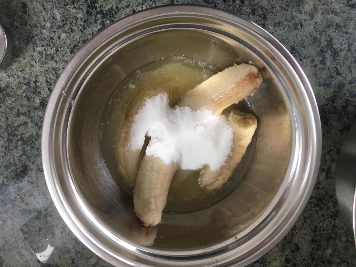 Wet ingredients and sugar