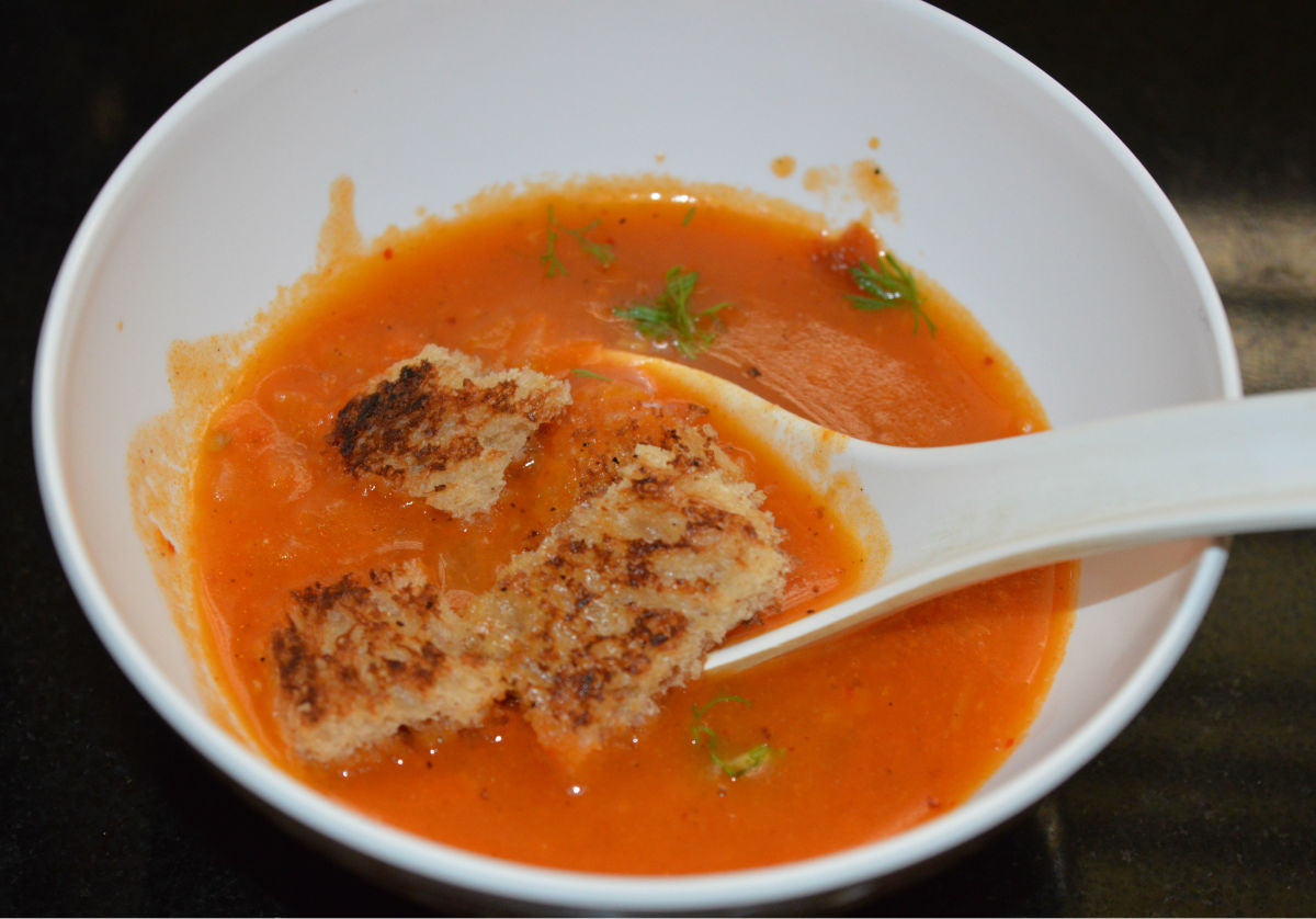 restaurant-style-creamy-tomato-soup