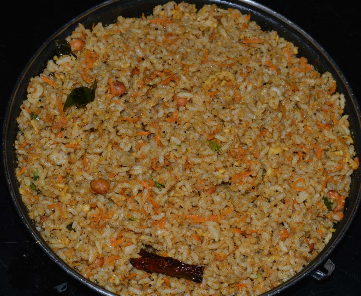 Puliyogare with grated carrots