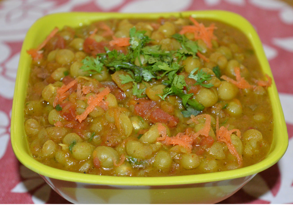 Now, dried green peas curry is ready! Serve it with flat bread, roti or chapati. Enjoy eating!