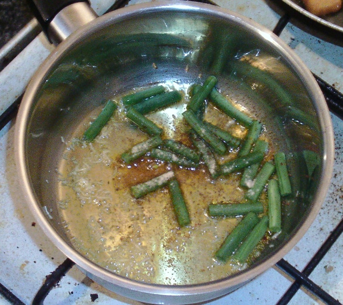 Seasoned green beans in garlic oil