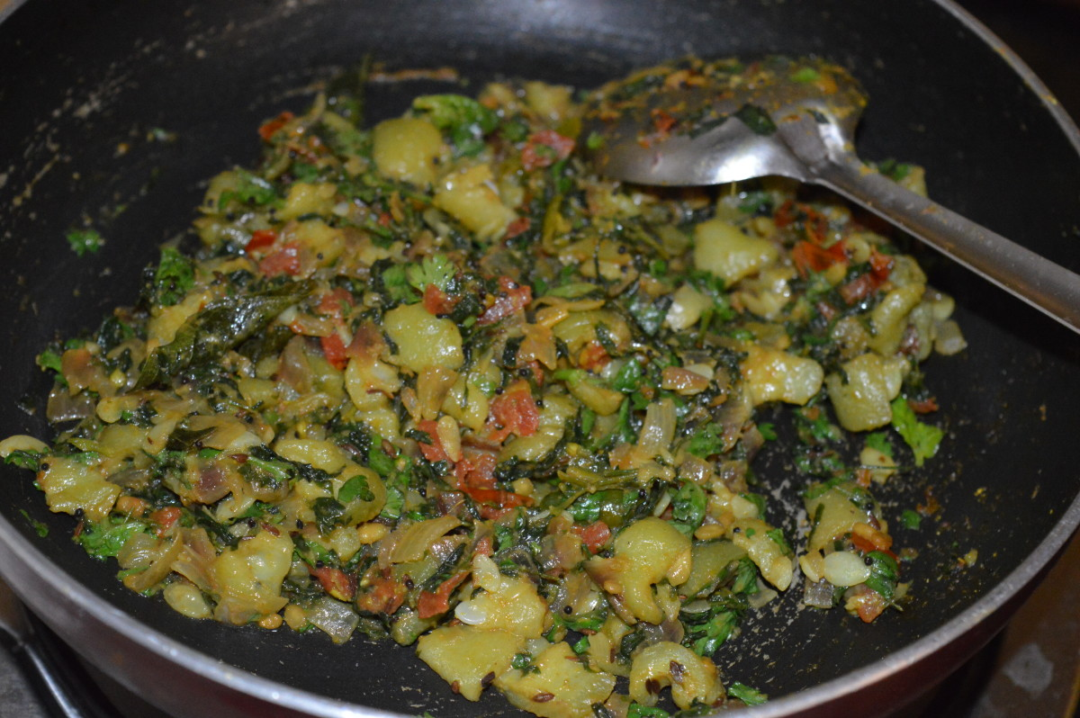 Step nine: Now, your favorite ridge gourd and fenugreek leaf side dish is ready to serve!