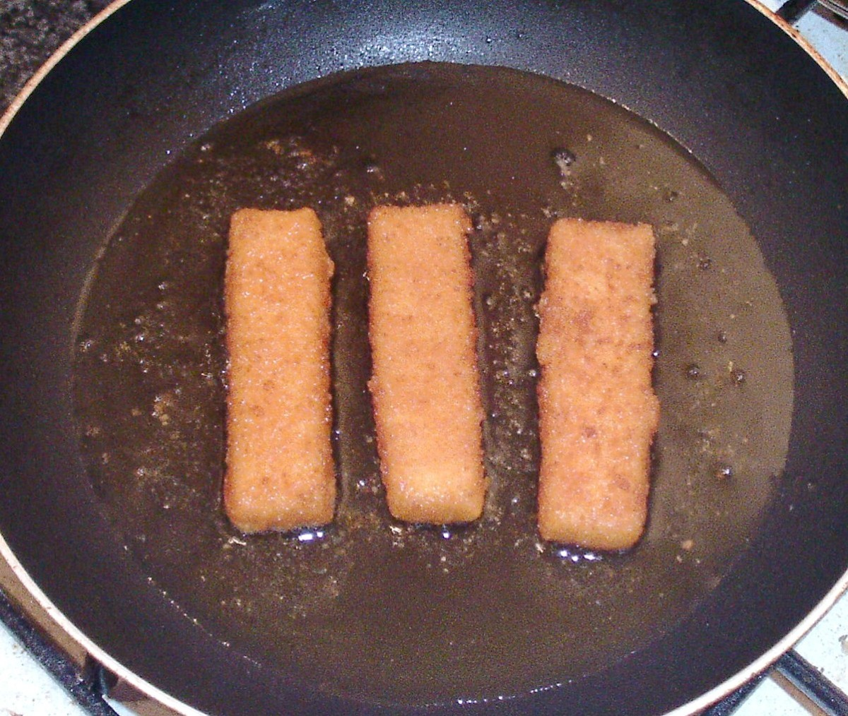 Shallow frying fish fingers