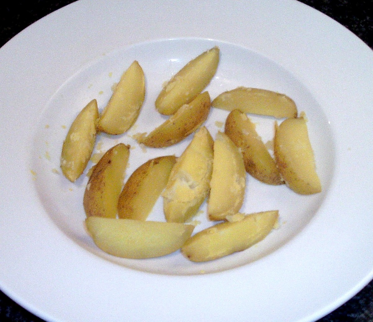 Boiled spicy wedges