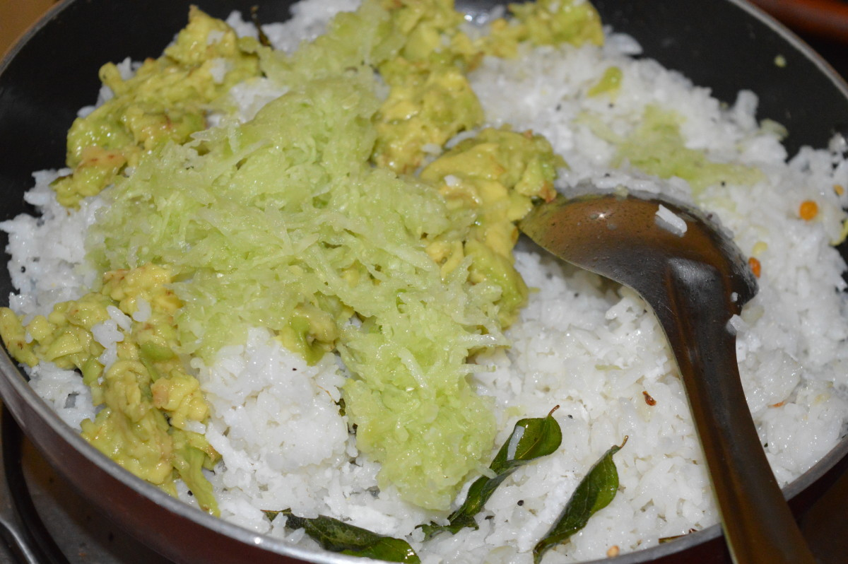 Step four: Add grated butter fruit, grated coconut, cucumber, lemon juice, sugar, and salt. Mix well.