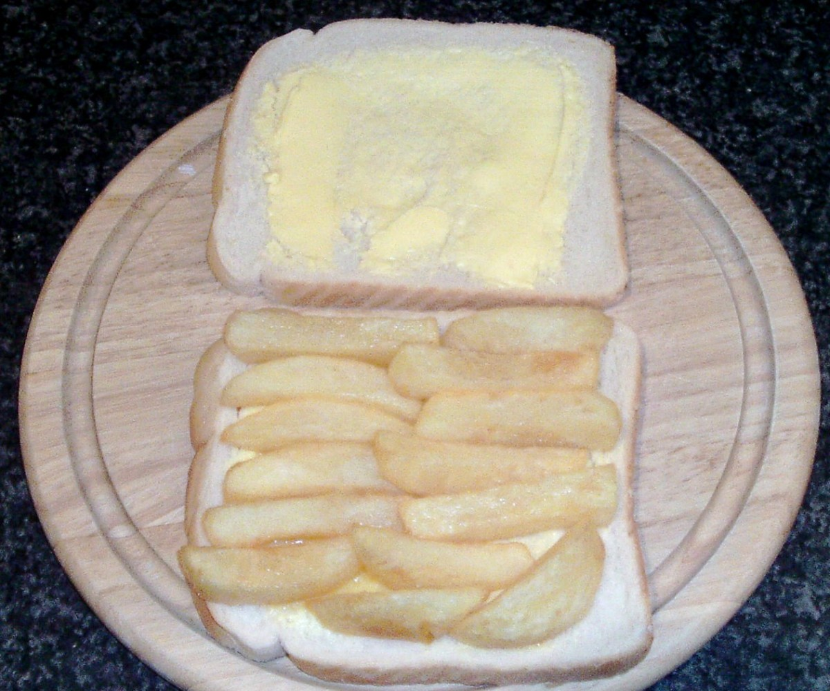 Chips arranged on buttered bread