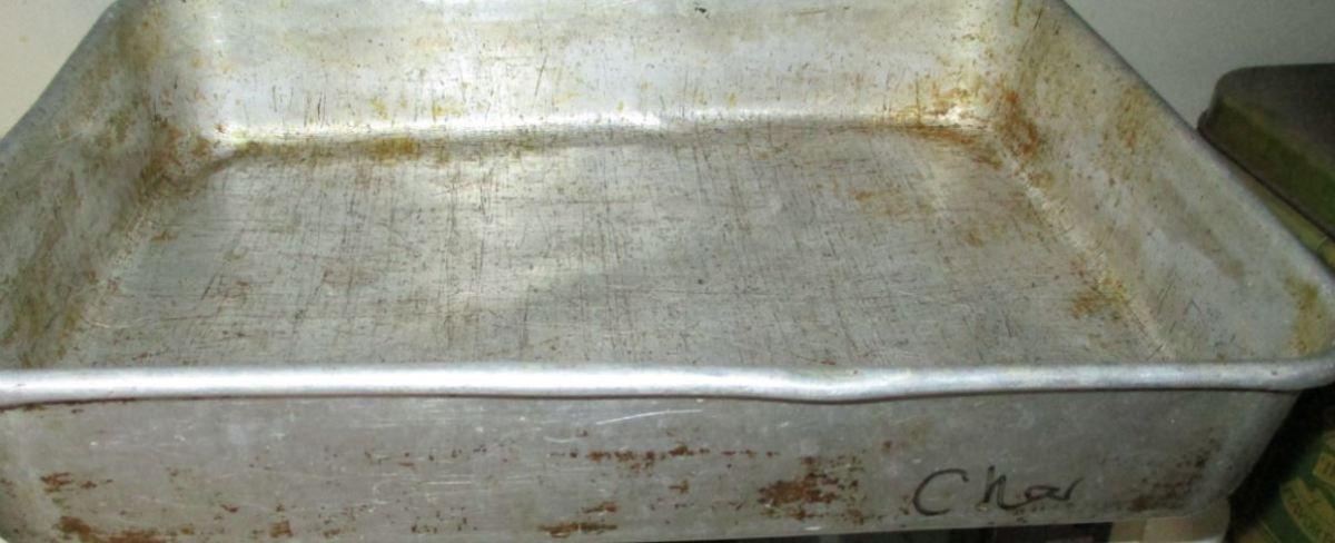 Metal pan: 9x13
