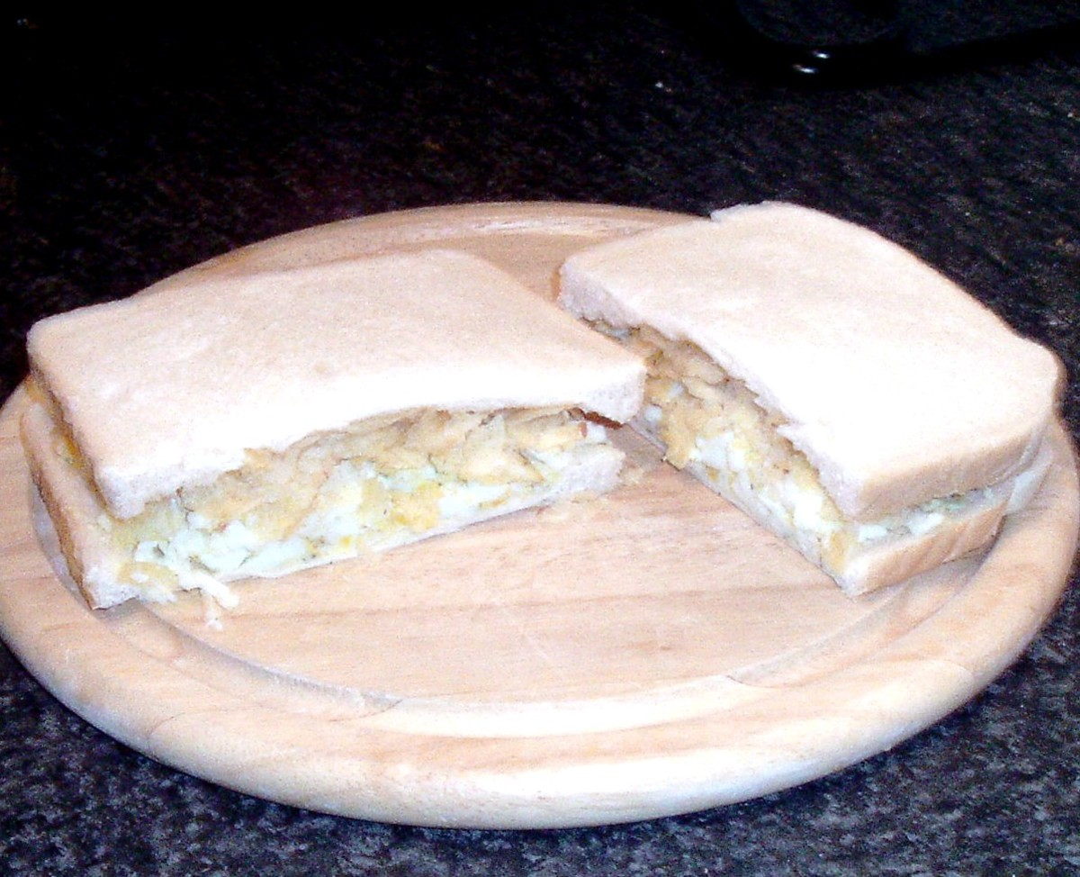 Mashed hard boiled egg and dill crisp sandwich