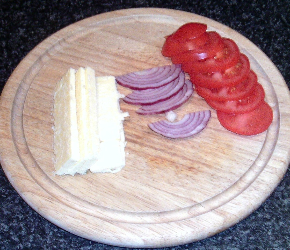 Cheddar cheese, red onion and tomato