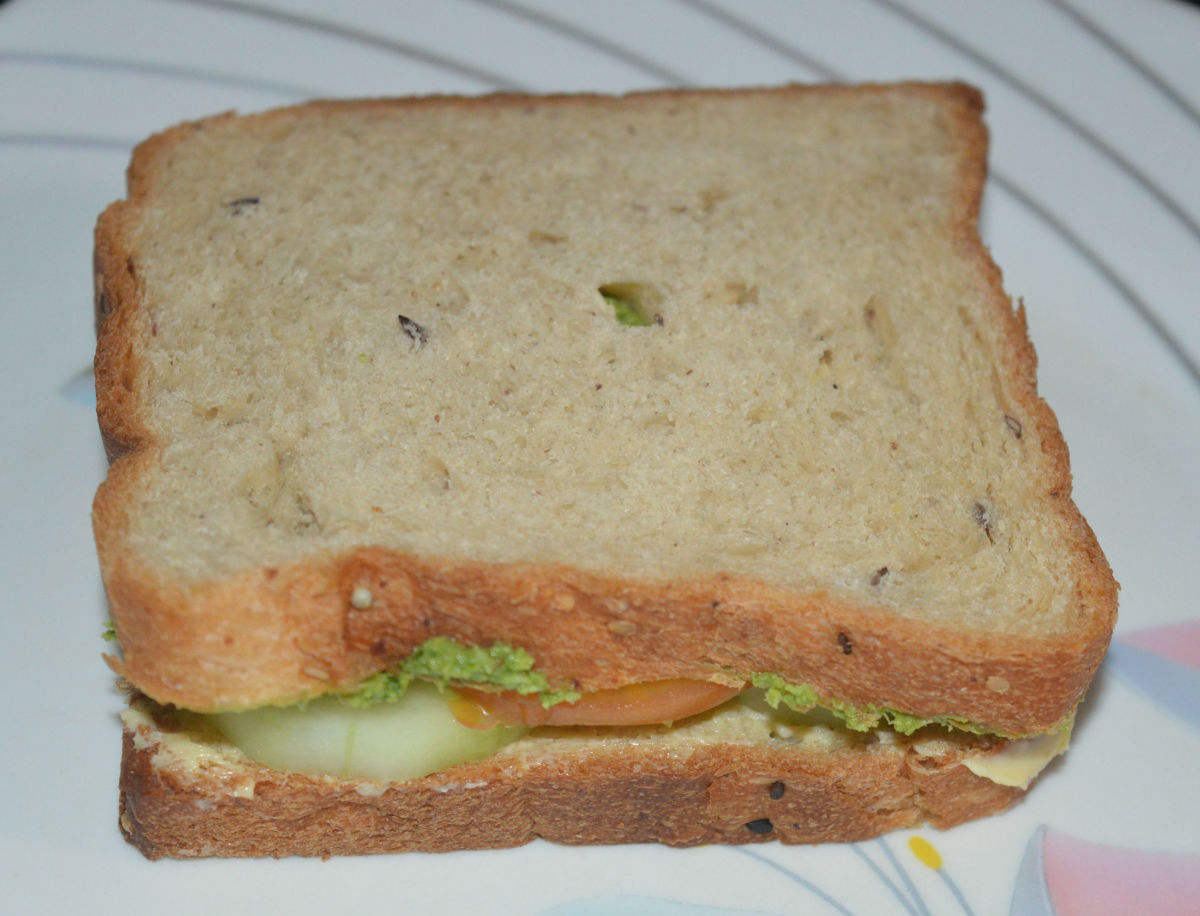 Step five: Place the other bread slice upside down on the top. Refer the pic.