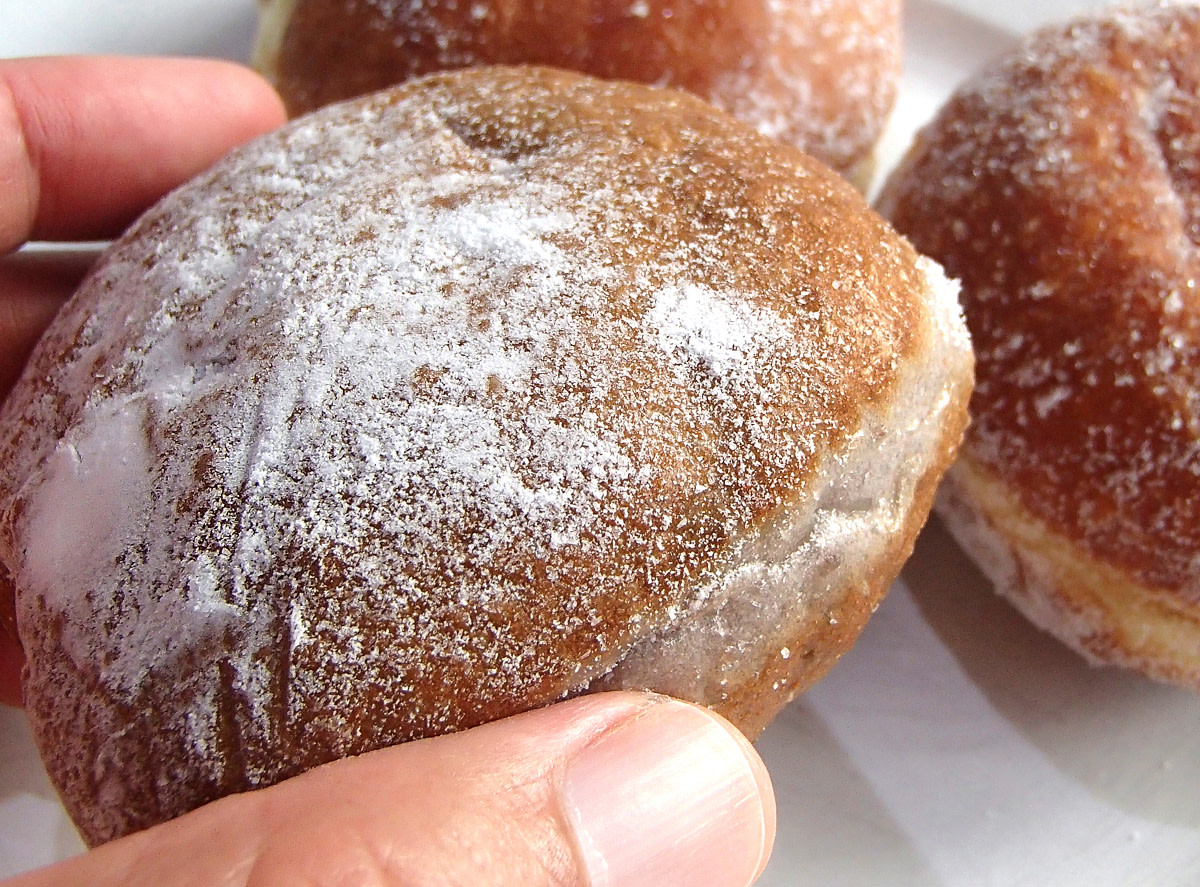 Eating just one malasada is never enough!