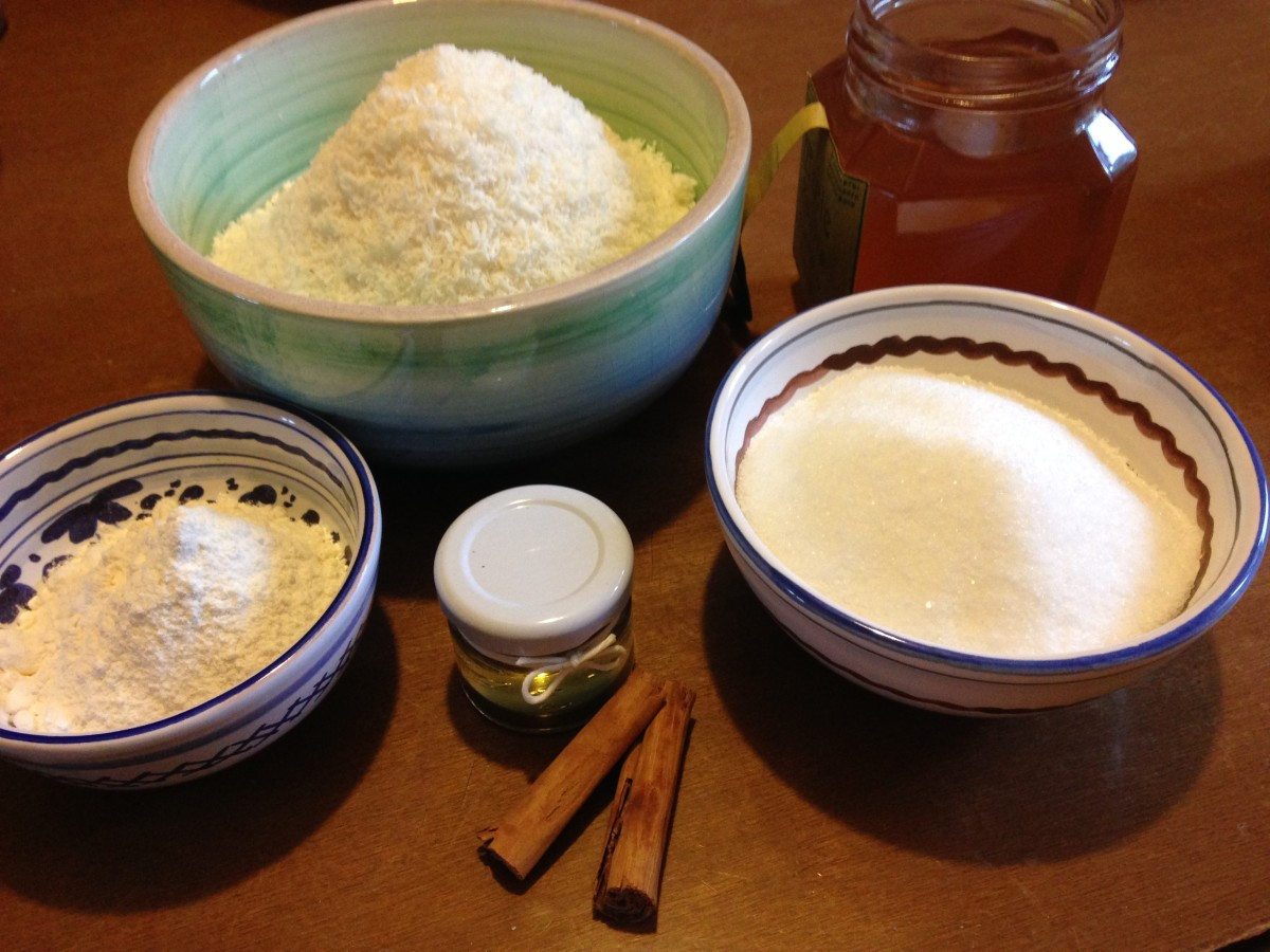 Ingredients of the coconut sweets: coconut, sugar, egg whites, honey, cinnamon, vanilly