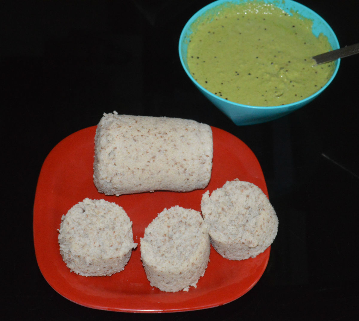 Serve these soft, aromatic idlis with a spicy chutney or sauce. I sprinkled a few drops of coconut oil on these idlis. It was just fantastic.