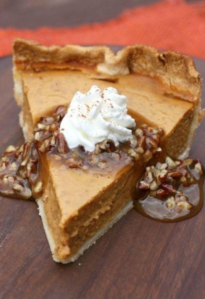Pumpkin Pie With Caramel-Pecan Topping