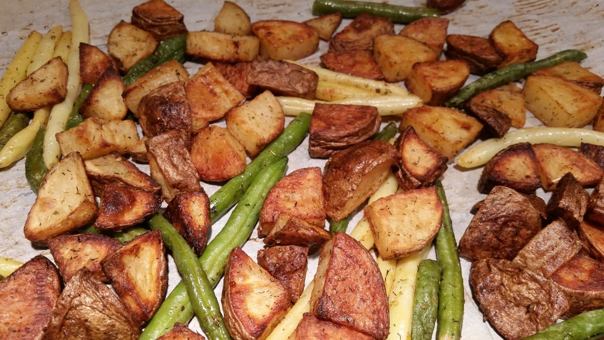 breaded-pork-chops-with-seasoned-roasted-potatoes-and-veggies