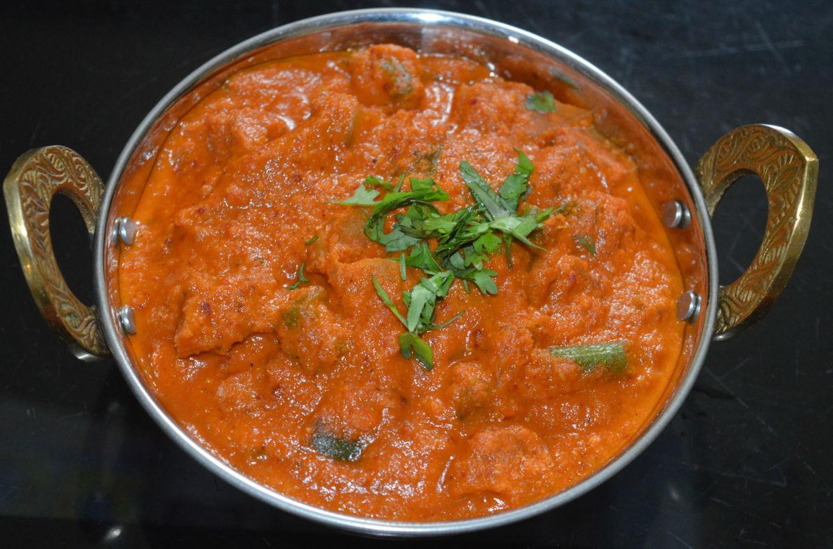 how-to-make-restaurant-style-veg-kolhapuri-curry