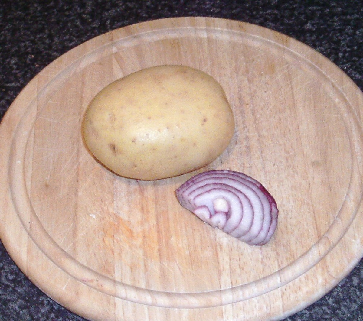 Potato and onion for cakes