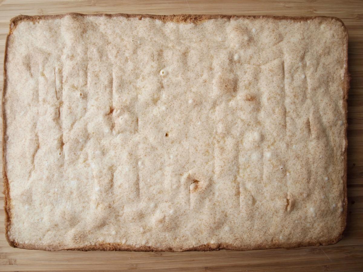 Baked vanilla pound cake