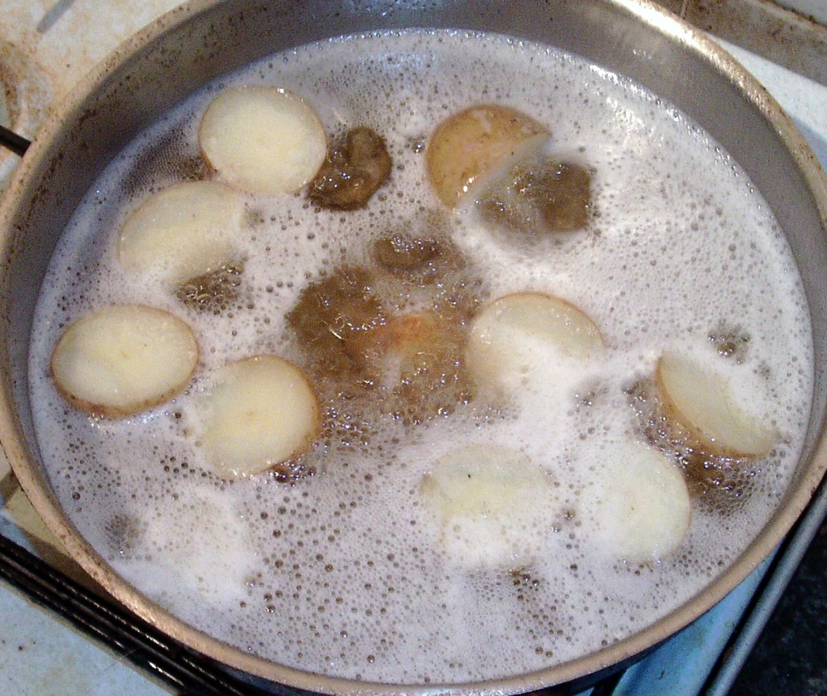 Deep frying potatoes