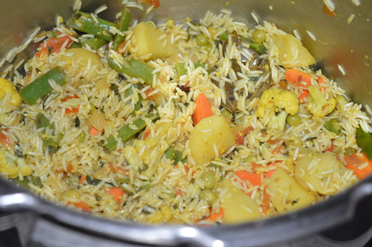 how-to-make-vegetable-tahiri-vegetable-rice-cooked-with-curds