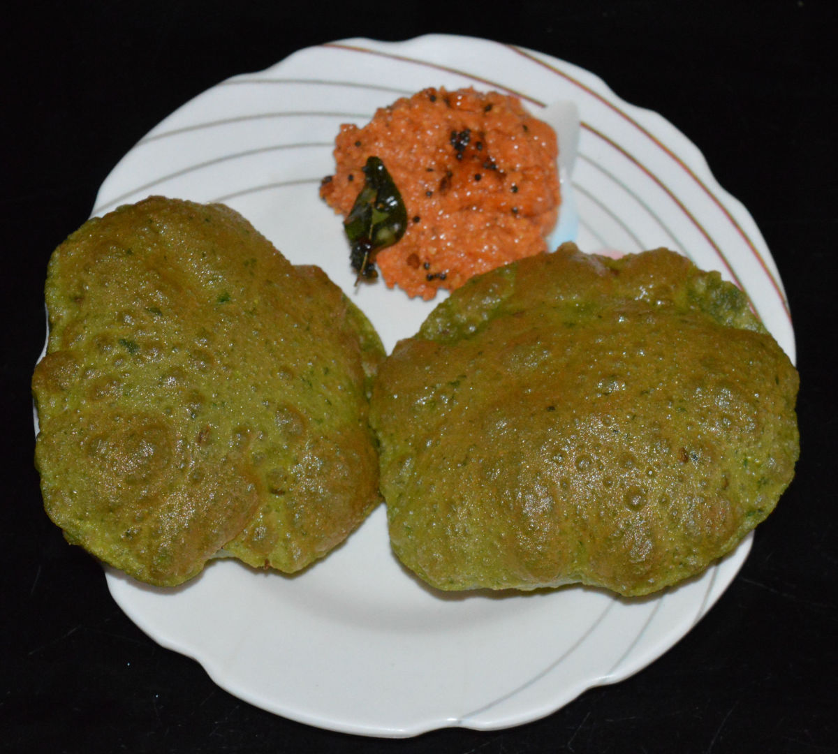 Serve this chutney as a side dish with rice, roti, dosa, idly, puri etc.