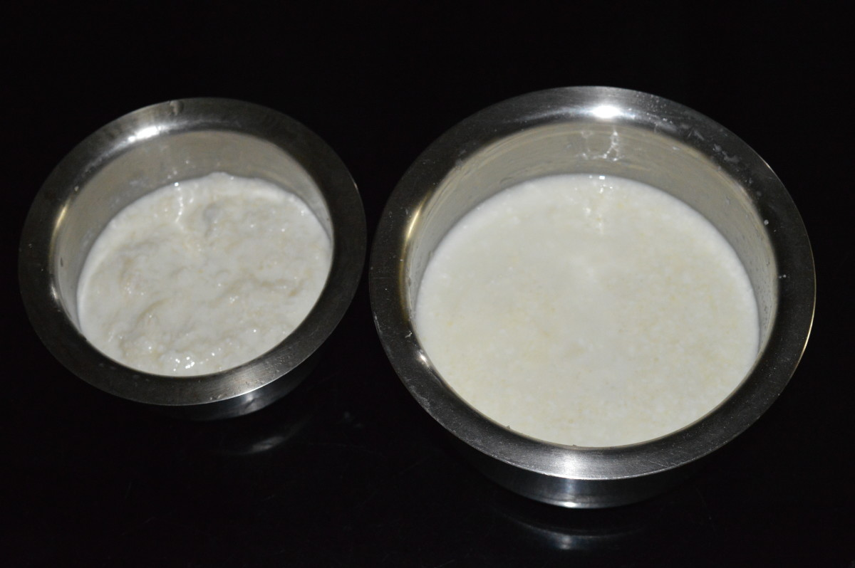 Step two: Soak flattened rice (poha) and rice rava separately in one cup each of curds. Set aside for 15 to 20 minutes.