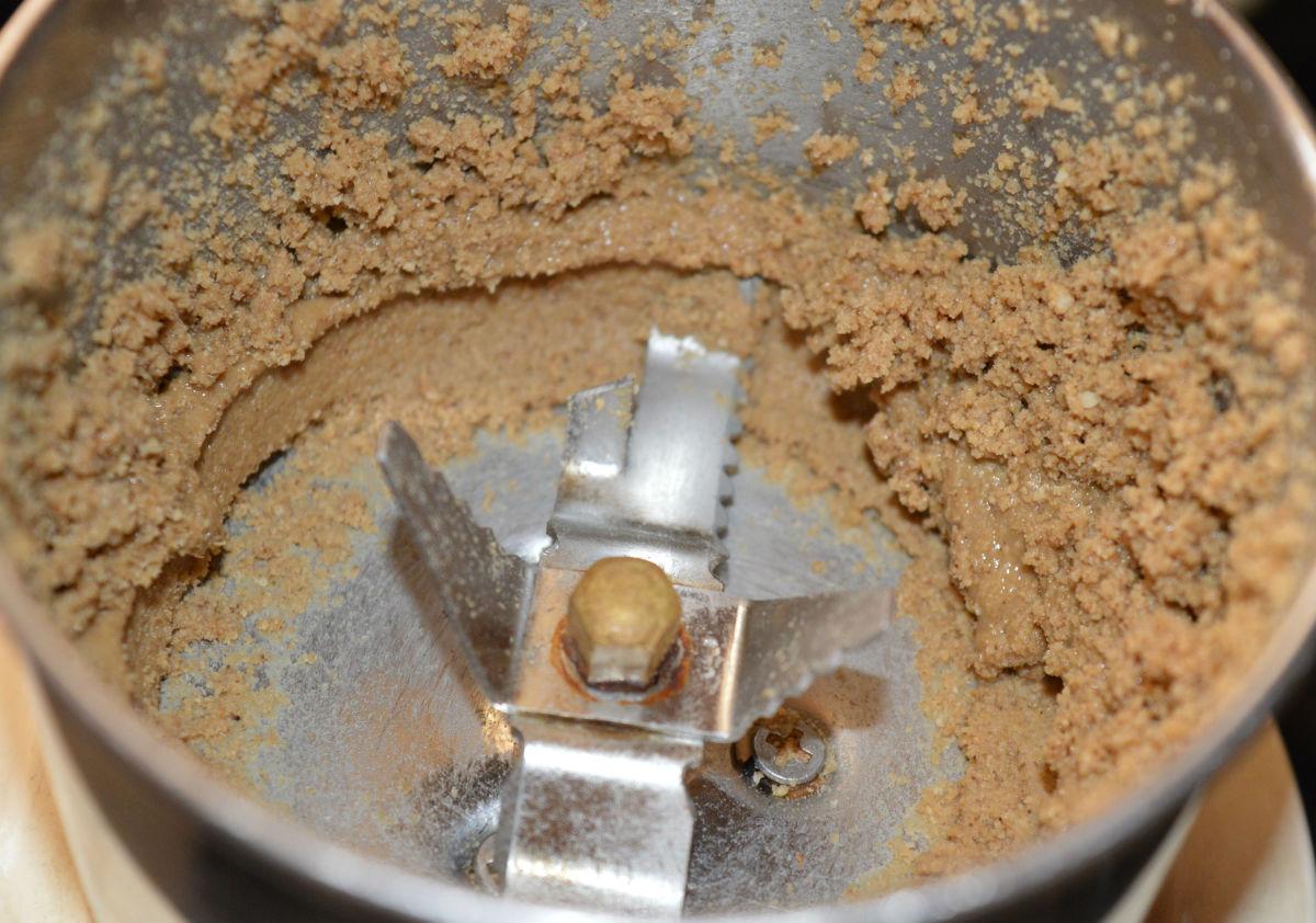 how-to-make-tahini-sesame-seed-paste-at-home