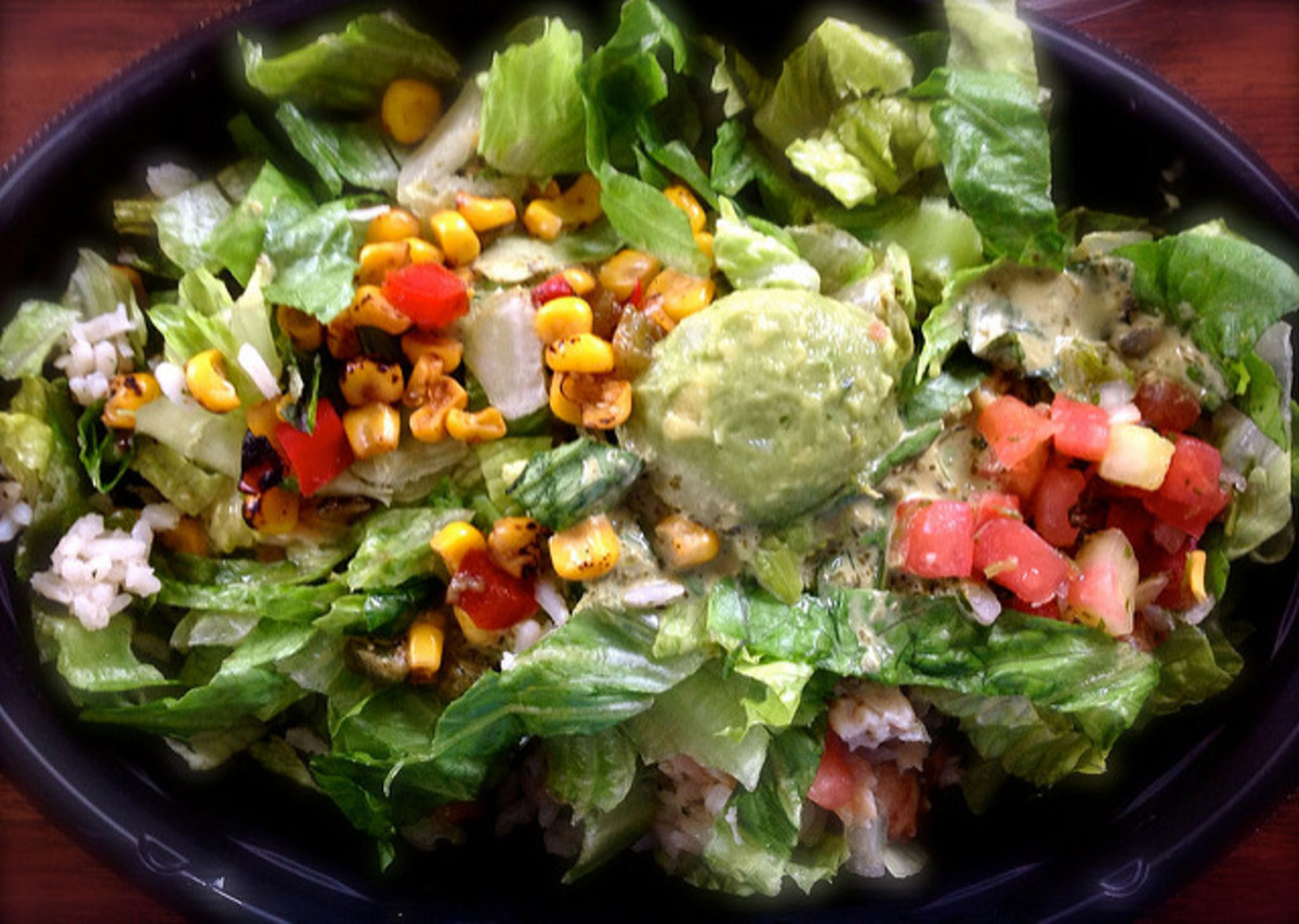 A basic salad with all the fixin's.