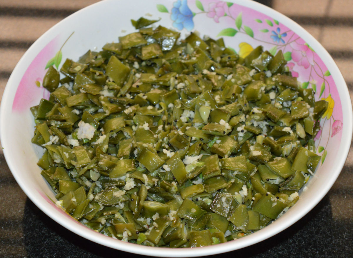 Serve it as a side dish with cooked rice. Enjoy eating this simple and healthy side dish!