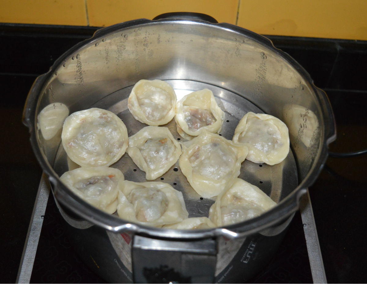 Steam-cooked vegetable wontons