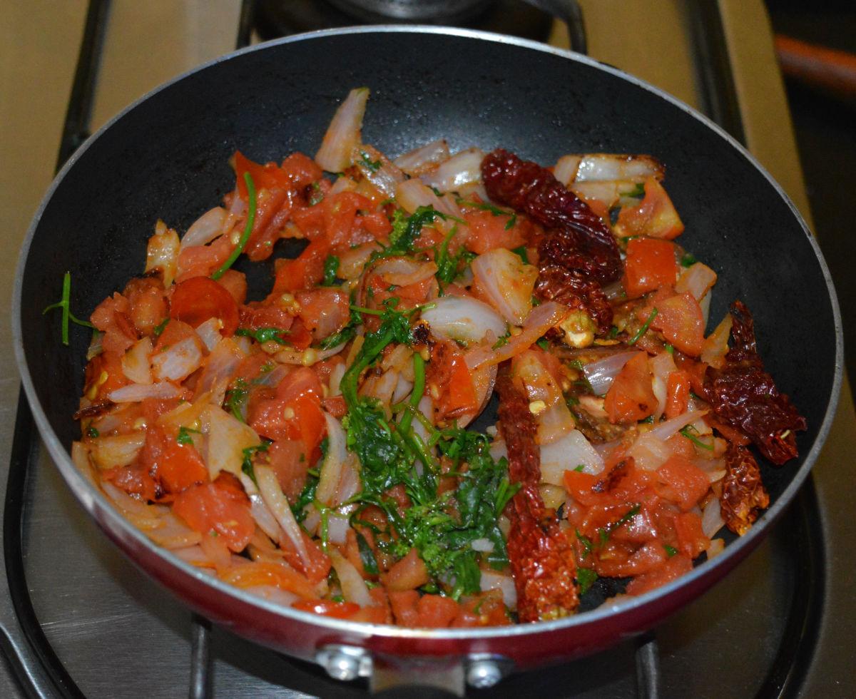 tomato-onion-chutney-for-dosa-and-idli