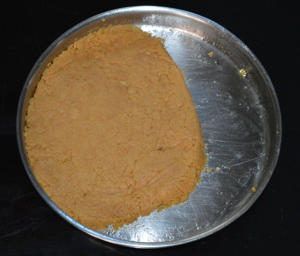 how-to-make-a-wheat-jaggery-dessert-sukhdi-in-twelve-minutes