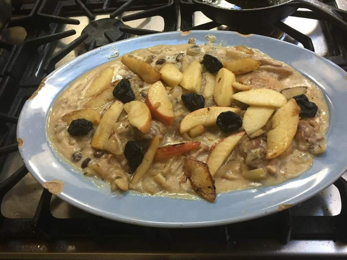 French Sautéed Chicken with Apples and Sour Cream