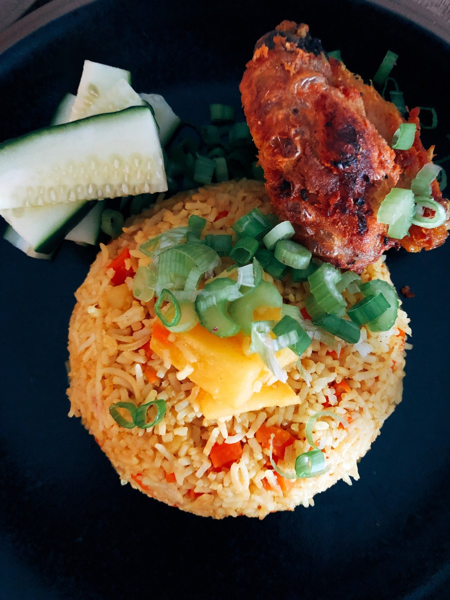 how-to-make-thai-inspired-pineapple-fried-rice
