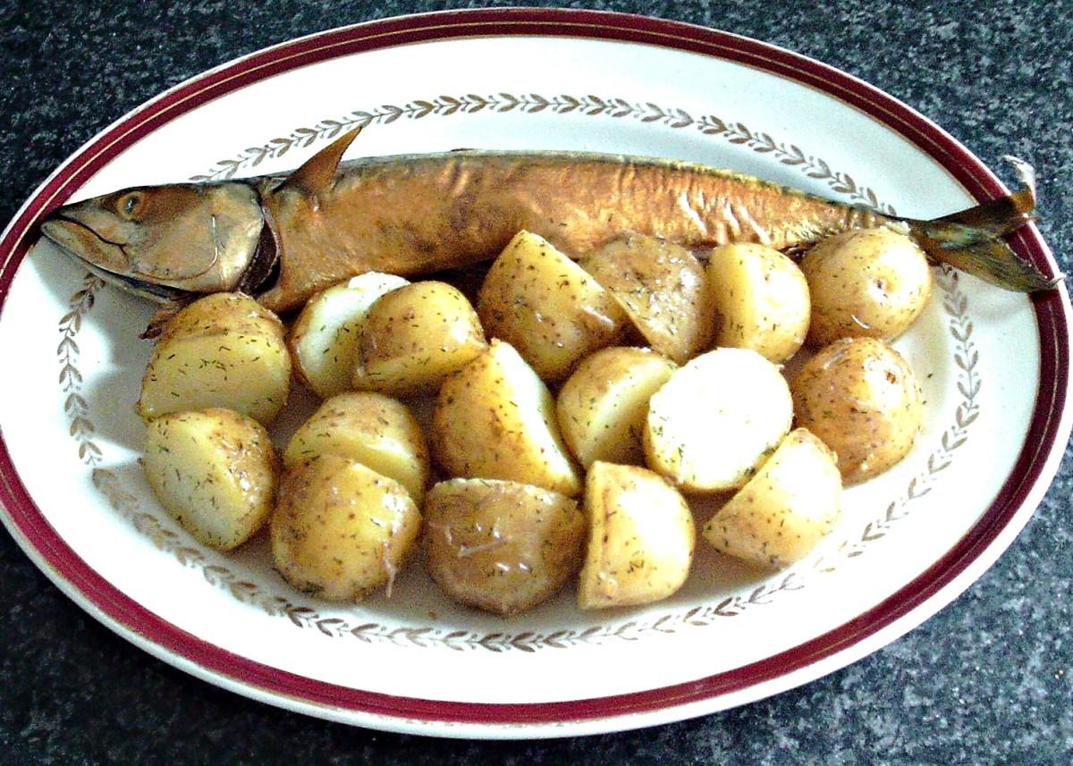 Smoked mackerel and boiled new potatoes