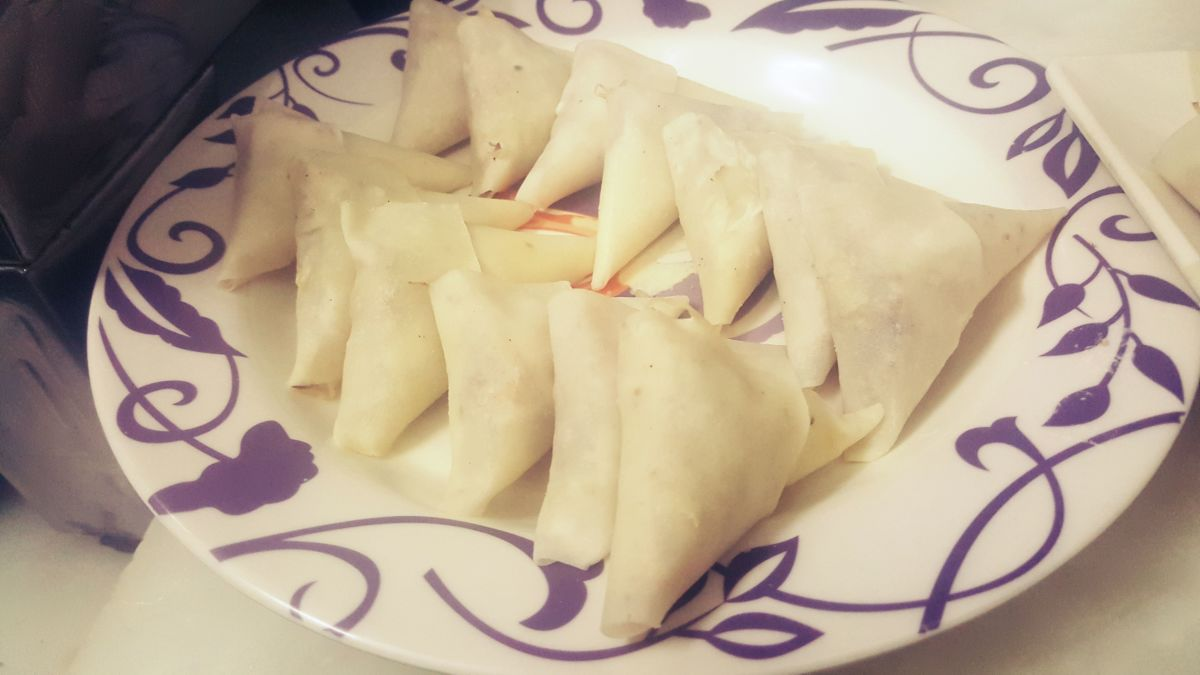 Samosas pockets are ready to be fried