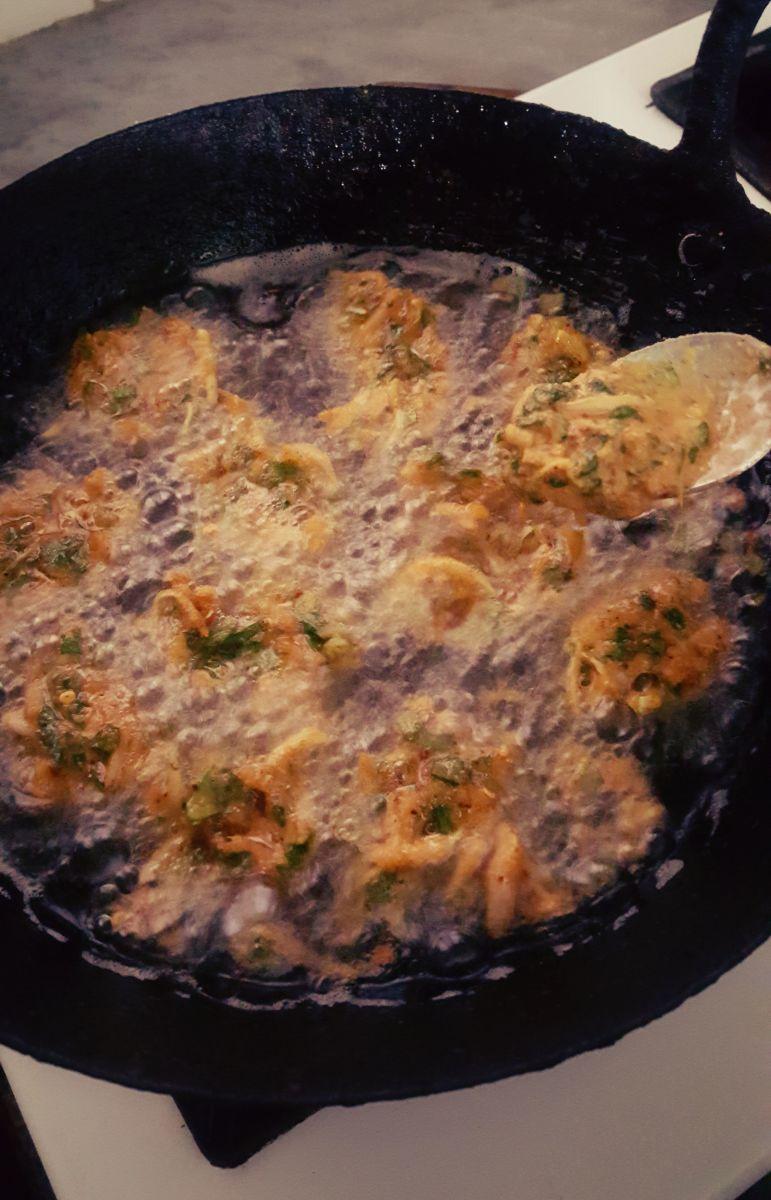 Step 5:  Drop pakora batter into hot oil