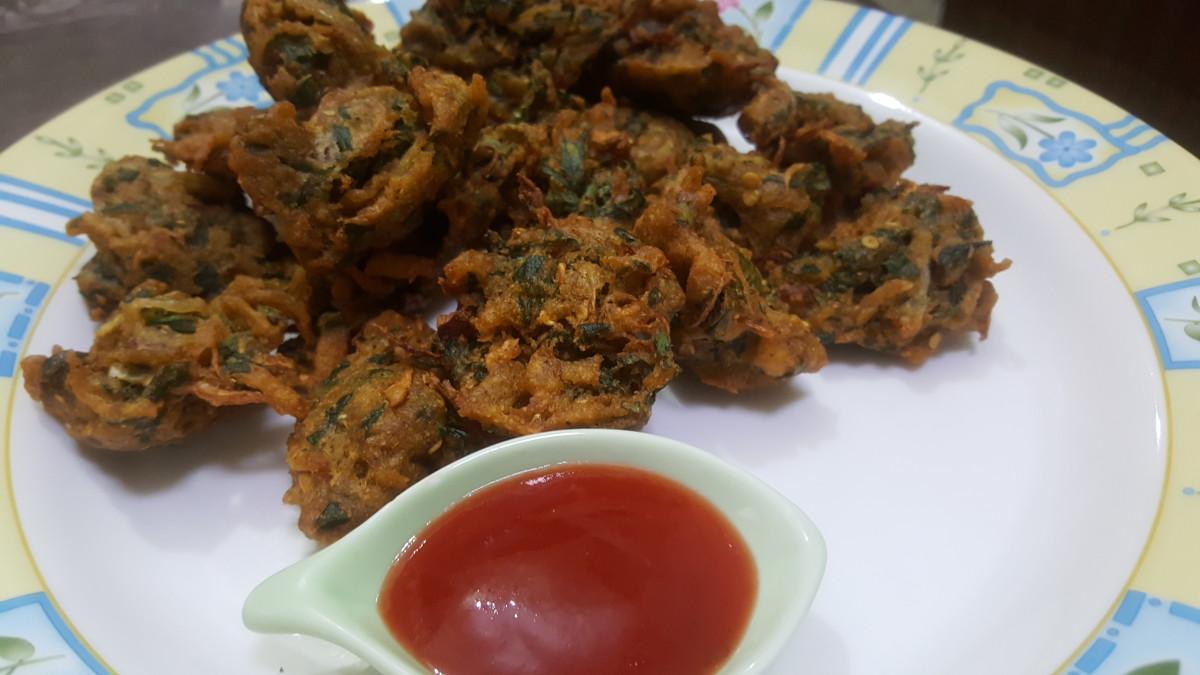 Desi pakora, ready to be served