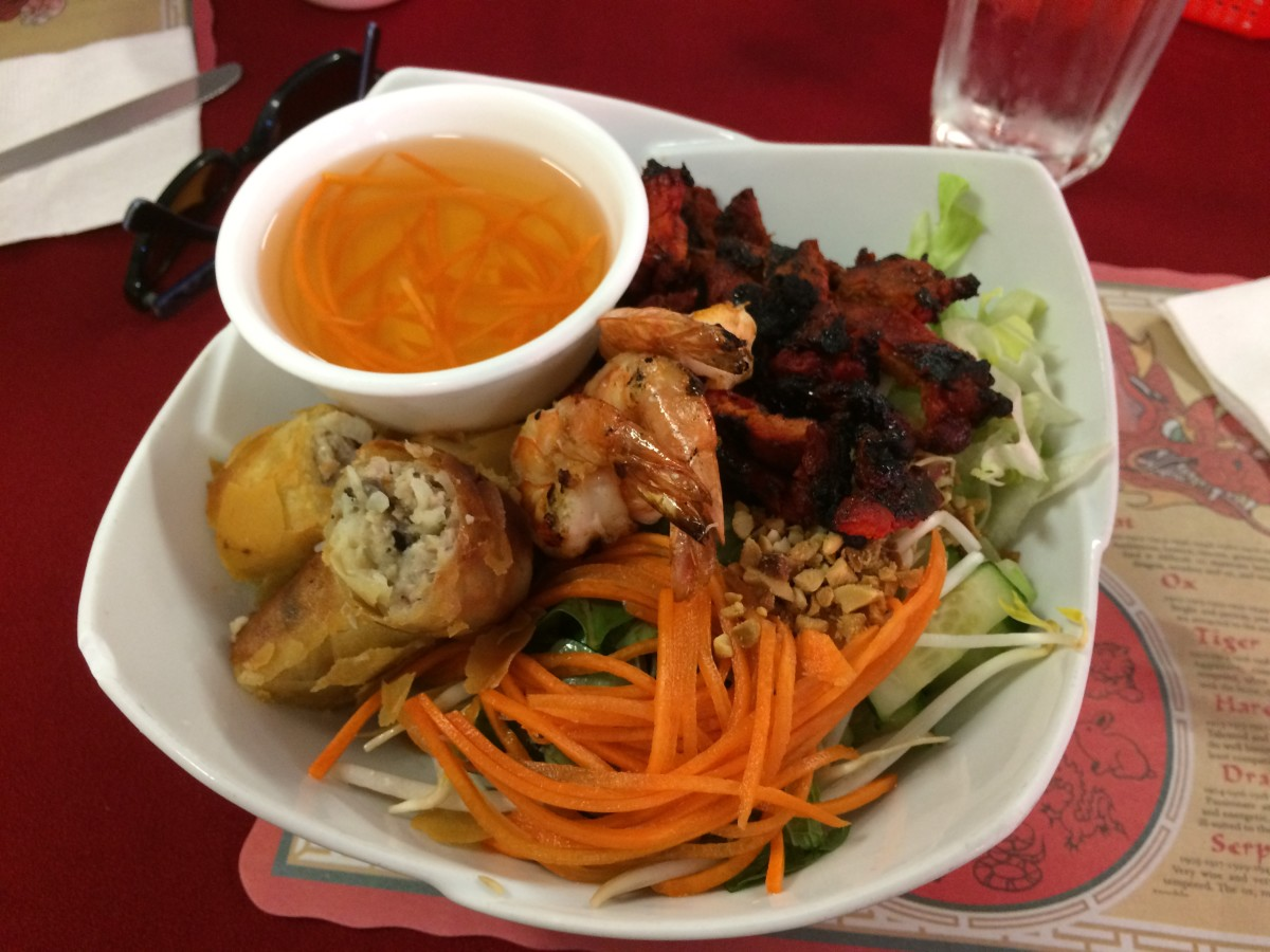 Vermicelli with Spring Roll