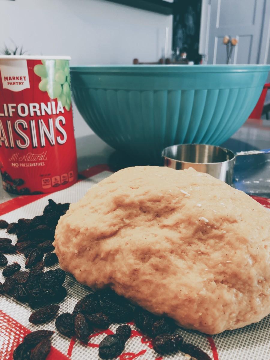Combine the raisins.