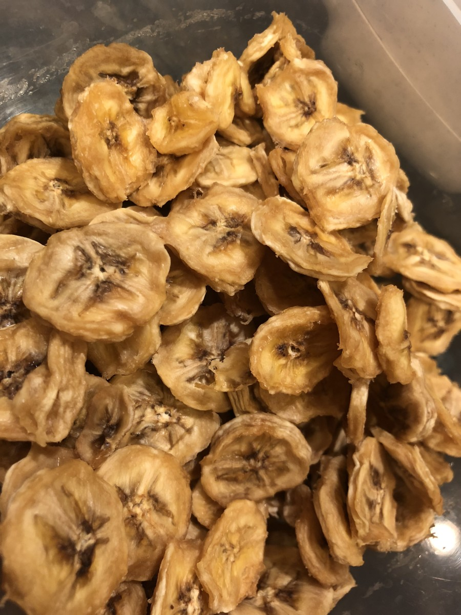 Dried bananas in tupperware container