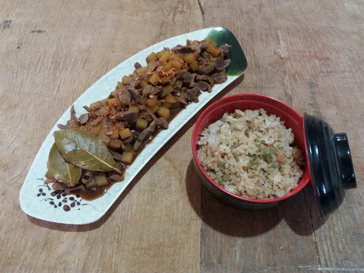Chicken gizzard adobo with rice