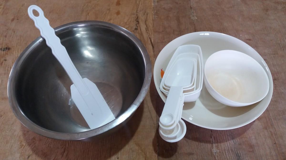 utensils for making pastillas