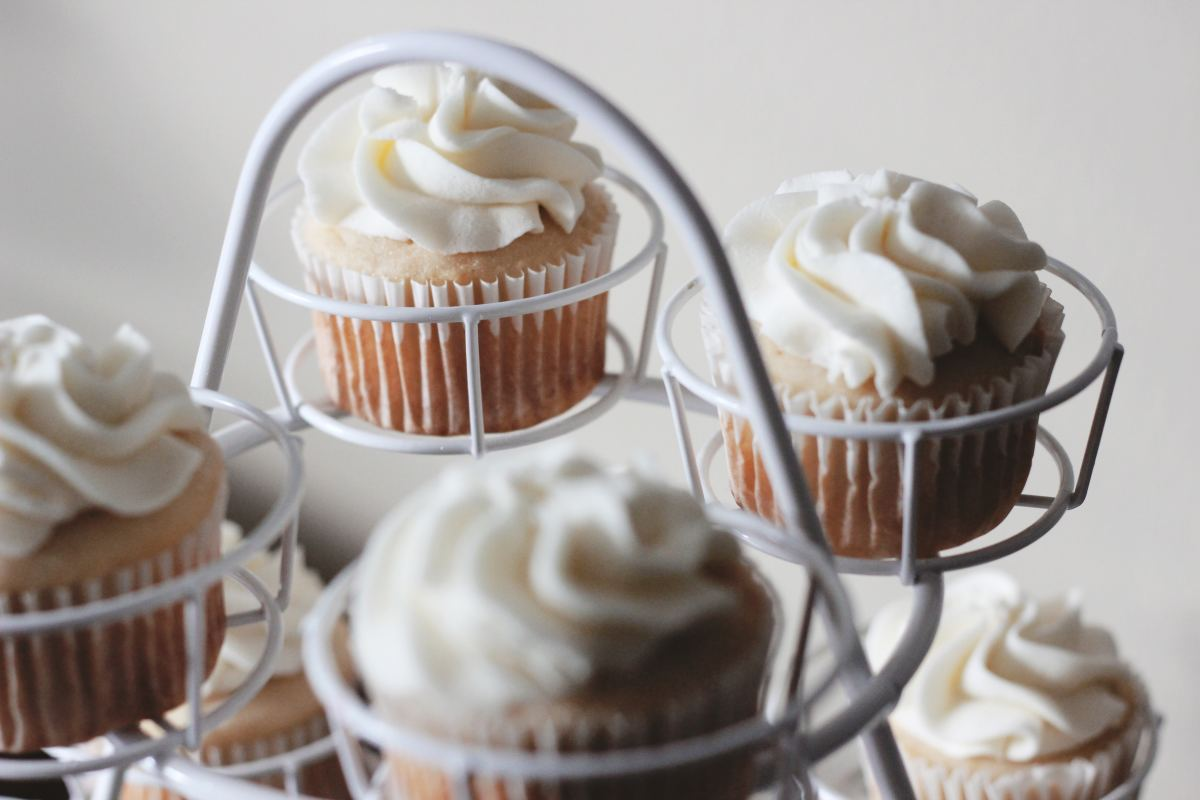 decadent-clean-eating-caramel-apple-frosting-from-scratch